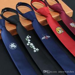 schwarze krawatte orange streifen Rabatt Hals-Krawatten für Herren schmal 5 cm Studenten kleine Persönlichkeit Faule Zugkette leicht Krawatte ziehen