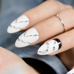 lavage à l'encre Promotion 24pcs Encre Stiletto False Nail Blanc Noir Marbre Texture Pointu Faux Ongles Pleine Couverture DIY Acrylique Ongles Conseils