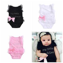 2019 weißes einteiliges overallkleinkind Neugeborener Babyspitzespielanzug beschriftet einteilige Kleidung der netten Babys weiße schwarze rosa Säuglingskleinkindoveralls günstig weißes einteiliges overallkleinkind