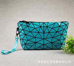 koreanische faltbare tasche Rabatt Miyake mit dem gleichen Absatz Lingge wasserdichte tragbare Kosmetiktasche koreanische Mode Beauty Trend großen Raum faltbare Damentasche