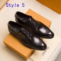 Habillé de luxe en cuir de chaussures pour hommes de haute qualité fête de mariage concepteur original classique mocassins chaussures mode conduite chaussures avec boîte ? partir de fabricateur