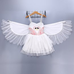 Canada Détail bébé fille baptême robe robe de baptême Swan Wings Angel Flamingo jarretelle gilet Princesse robe boutique enfants concepteur robes robes cheap designer christening dresses Offre