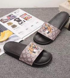 Canada Pantoufles de plage TIGER Hommes Femmes Sandales Chaussures Design Chaussures Slide Summer Mode Large Plat Sandales Glissantes Pantoufle Flip Flop taille 35-46 avec la boîte Offre