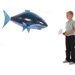 10 Компл. Акула Воздушные Шары Пульт Дистанционного Управления Игрушки Воздушный Плавание Рыба Инфракрасный RC Летающие KidsToys Подарки На День Рождения Украшения Партии Игрушки от