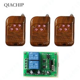 12в постоянного тока переключатель беспроводной пульт Скидка Qiachip 433 МГц универсальный пульт дистанционного управления DC 12V 2 CH RF релейный приемник модуль + 433 МГц беспроводной пульт дистанционного управления затвор