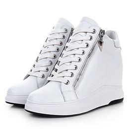 2019 sapatos de couro genuíno mulheres plataforma Mulheres firmado Sneakers Sapatos esportivos altura crescente Genuine sapatos de couro respirável alta plataforma de caminhar Esportes desconto sapatos de couro genuíno mulheres plataforma