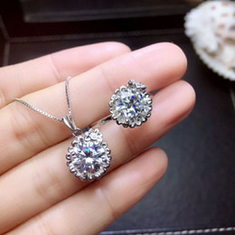 Набор из чистого серебра 925 онлайн-MeiBaPJ 2 Carats Moissanite Gemstone Jewelry Set 925 Pure Silver Ring Pendant Necklace 2 Pieces Suits Wedding Jewelry for Women