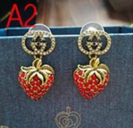 Perno rotondo classico dell'orecchino dell'oro dell'orecchino del progettista della lettera di Vogue per i gioielli della signora della ragazza delle donne Trasporto libero da adulti giocattoli orali di sesso fornitori
