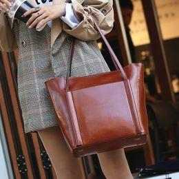 2019 braunes leder laptop tasche frauen 100% echtes Leder Retro Braun Frauen Handtasche Lady Big Tote Bag Laptop Klassische Kaffee Weibliche Umhängetaschen Einkaufstasche rabatt braunes leder laptop tasche frauen