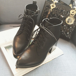 Stivali stiletto designer online-Lady Boots Scarpe a punta Lace Up Booties donna 2019 Tacchi alti zoccoli della piattaforma di lusso del progettista signore della chiusura lampo a punta Stiletto