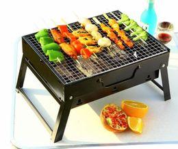 Le griglie portatili del carbone di legna della famiglia delle griglie portatili del filo del barbecue dello scaffale all'aperto d'acciaio per il campeggio accampano gli strumenti del BBQ da