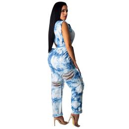 Krawatte jeans blau online-2019 Sexy Loch Zerrissene Ärmellose Blue Denim Jumpsuit Frauen Aushöhlen Bandage Gürtel Tie Dye Vintage Jean Romper Insgesamt Plus Größe 2XL