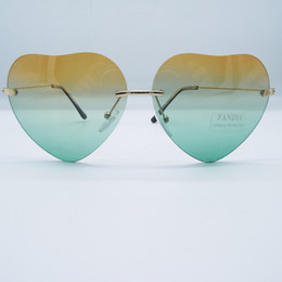 2019 дизайнер в форме сердца солнцезащитные очки Дамы сердце образный очки металла женщины бренд дизайнер мода Rimless любовь прозрачный океан линзы солнцезащитные очки UV400 скидка дизайнер в форме сердца солнцезащитные очки