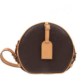Amuletos de silla online-2019 nuevo bolso de hombro redondo de lona de primavera El último bolso de sillín de lujo Elegante y encantador bolso de diseñador de mujer vintage Carteras de bolso suave