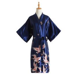 I vestiti caldi sexy cinese online-Vendita calda blu navy donne cinesi seta abito vestito rayon Bridemaids sexy camicia da notte da sposa kimono accappatoio plus size