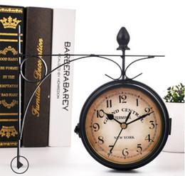 6f01c01772c 2019 relógio pendurado Relógio de Parede do vintage Relógios Duplos  Sentidos Estilo Europeu Criativo Rodada Pendurado