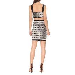 Kadın Moda Tasarımcısı Elbiseler 2019 Marka Kadın Patlama Moda Iki Parçalı Çizgili Örme Elbise Lady Lüks Seksi Sling Fermuar Elbise supplier luxury knitted dresses nereden lüks örme elbiseler tedarikçiler