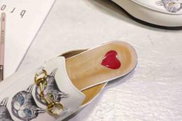 forro estampado Rebajas Diseñador de moda 2019 zapatos de mujer de lujo de impresión tres piel de gato superficie agua teñido de piel de oveja forro casual de mujer medio zapatillas ck2505nm
