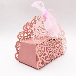 caixas de presente de bebê Desconto 10pcs / set Flower Rose Shaped Laser Cut oco Carriage favores Caixas de presentes de doces com o bebê da fita do casamento Shower Party Supplies