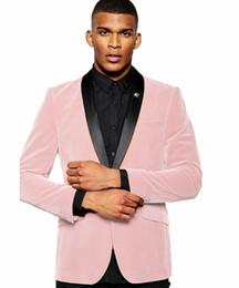 Esmoquin de graduacion online-Últimos trajes de terciopelo rosa para hombre de solapa de mantón para hombre Trajes de boda Un botón hecho Graduación Prom Tuxedos Blazer para el novio masculino Sólo una chaqueta