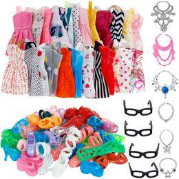 Ropa de muñeca zapatos online-30 Artículo / Set Accesorios de Muñeca = 10x Vestido de Moda Mix Lindo + 4x Gafas + 6x Collares + 10x Zapatos Vestido de Ropa Para Barbie Doll