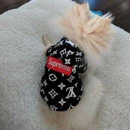 ropa de gato de diseñador Rebajas Diseñador Pet Dog Cat Hoodies Moda Teddy Puppy Schnauzer Ropa para perros Moda para mascotas Outwear Ropa Artículos para perros