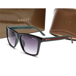 2019 occhiali da sole eleganti per gli uomini Moda occhiali da sole di design di marca moda occhiali da sole telaio in plastica uomini e donne accessori eleganti possono essere all'ingrosso sconti occhiali da sole eleganti per gli uomini