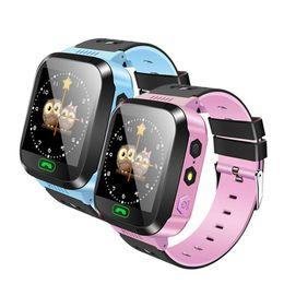 детские часы слежения Скидка Q02 дети смарт-часы камера освещение сенсорный экран SOS Call LBS отслеживание местоположения Finder дети детские смарт-часы