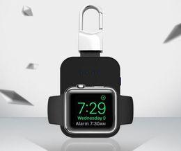 Новый портативный брелок Беспроводное зарядное устройство Q1 Беспроводное зарядное устройство DC MINI Smart Watch Power Bank Для Apple Watch iwatch 1 2 3 от Поставщики мини-беспроводное зарядное устройство