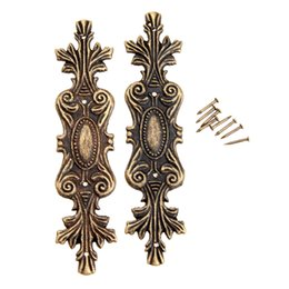 Staffe d'angolo del mobile online-staffa 2 pezzi decorativo antico staffa per legno scatola piedi mobili angolo protettore decorativi mobili raccordi