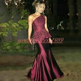 robe soiree peplum Rabatt Elegante One Shoulder Lace Peplum Meerjungfrau Abendkleider Trauben Arabisch Satin Dubai Robe De Soiree Abendkleid Plus Size Formal Party Formal