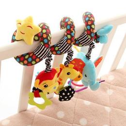 2019 celos de plástico berço Bebê Espiral Atividade Bonito Pendurado Brinquedo Macio para Buggy Berço Assento de Carro Presente de Natal cama de Bebê sino de pelúcia enfeites de cama de pano