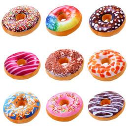 oreiller de beignets Promotion Doux Donuts Oreiller Chocolat Donuts En Peluche Coussin De Macaron Beau Coussin De Fond Nap Oreiller Donut Coussin