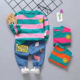 2019 sudadera jeans Conjunto de ropa para niños Trajes deportivos para niños a rayas lindos Chica Camiseta de manga larga Jeans Algodón Niño Sudadera Patrón Traje sudadera jeans baratos