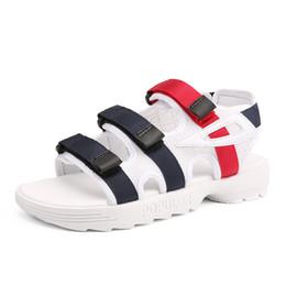 Мужская летняя обувь онлайн-2019 New Men Sandals Summer Flat Outdoor Man  Beach Casual Shoes Cheap Fahsion Comfortable Male Sandals Black White