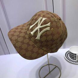 Clásico diseñado conjuntamente gorras de béisbol Velour Ball Gorras Diseño de marca de lujo Sombreros Hombres, mujeres Gorra de béisbol individual original Sombrero de las mujeres de la calle desde fabricantes
