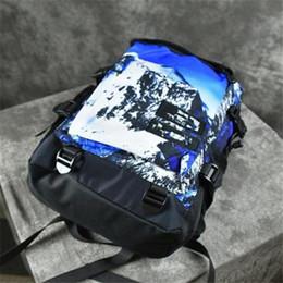 2019 laptops coloridos Moda de Nova Bolsa Homens Mulheres Mochilas ao ar livre Desporto Escolar Mochila Para que a neve mapa montanha mochila Bag