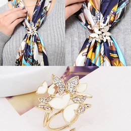 porte-bijoux papillon Promotion 1PC Tricyclic Blanc Papillon Écharpe Titulaire Cristal Broche Clips Bijoux Vêtements Accessoires Bijoux Cadeau
