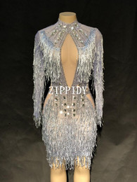 2019 fringe kleid tanz kostüm Mode Kristalle Mesh Kleid Sexy Strass Durchsichtig Stretch Stage Dance Wear Abend Feiern Fransen Kleid Kostüm günstig fringe kleid tanz kostüm