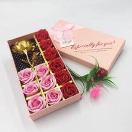 12 flores artificiais caixa de presente rosas presente do Dia dos Namorados simulação de família decoração com flores de Fornecedores de buquês de casamento amarelo vermelho