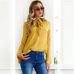 Camicie da donna online-Ladys V Neck Solid Ribbon Flare Sleewe Shirt Womens Summer Deigner Abbigliamento Moda Casual Abbigliamento femminile
