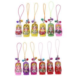 2019 bambole di mano 12 pz / set Bambole russe di nidificazione Giocattolo in legno portachiavi Matrioska mano dipinta a mano giocattoli per bambini colore casuale bambole di mano economici