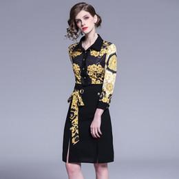 de02e4e45ef3590 Мода пояса и кнопки женщин весна новые платья печати,хороший отворот шеи с  длинным рукавом миди юбки Леди
