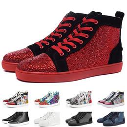 vestido partido strass Desconto CL Luxury Red Bottoms Homens Mulheres Casual Spikes Rebites Strass Sapatos Vestido de Festa Sapatos de Caminhada Tênis Chaussures De Esporte 34-46