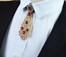 pajarita metálica Rebajas La corbata de lazo de los hombres del estilo del diamante metálico ata la broche de la flor del vestido de la boda del novio
