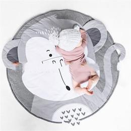 2019 macaco decoração miúdo Macaco Padrão Borboleta Esteira Dos Desenhos Animados Kid Crawling Pad 90x90 cm Decoração do Quarto Das Crianças Tapete de Algodão Manter Quente Macia 45yy C1kk macaco decoração miúdo barato