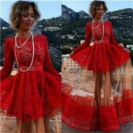 seite hoch niedrige prom kleider Rabatt 2020 Sexy Red Long Prom Kleider Spitze Appliques Long Sleeves Jewel Sweep Zug Günstige Abendkleider Vestidos De Festa LF017