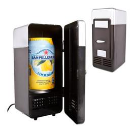 Nevera portátil de coche online-Portátil de Escritorio Mini Refrigerador USB Gadget Latas de Bebidas Refrigerador Más Caliente Refrigerador Con Luz LED Interna Uso de Coche Mini Nevera TB