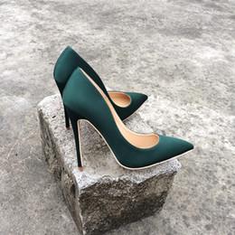 Damen casual satin kleider online-Casual Designer Sexy Dame Mode Frau High Heels Damen Sexy grün Satin Seide Spitz Pumps Komfort Kleid Schuhe 12 cm 10 cm 8 cm