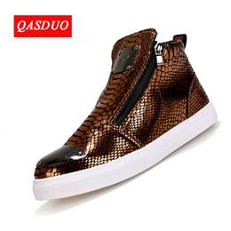 852cbdb228e moda sapatos europa Desconto Calçados masculinos QASDUO Europa e nos  Estados Unidos tendências sapatos altos personalidade
